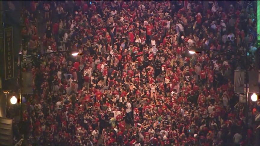 Crowds gather in Wrigleyville for Stanley Cup win